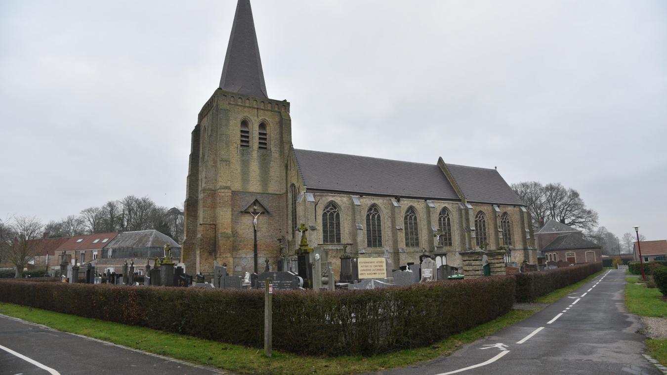 Le cimetière autour de l'église est saturé depuis quelques années.