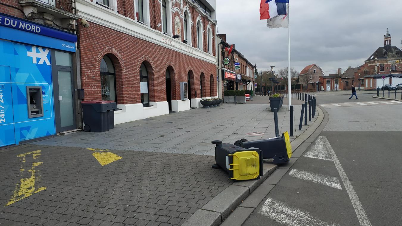 La mairie veut endiguer le problème de la saleté.