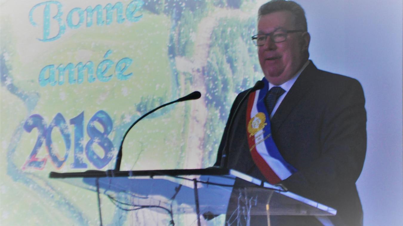 Alain Méquignon a accueilli ses administrés à la salle des fêtes.