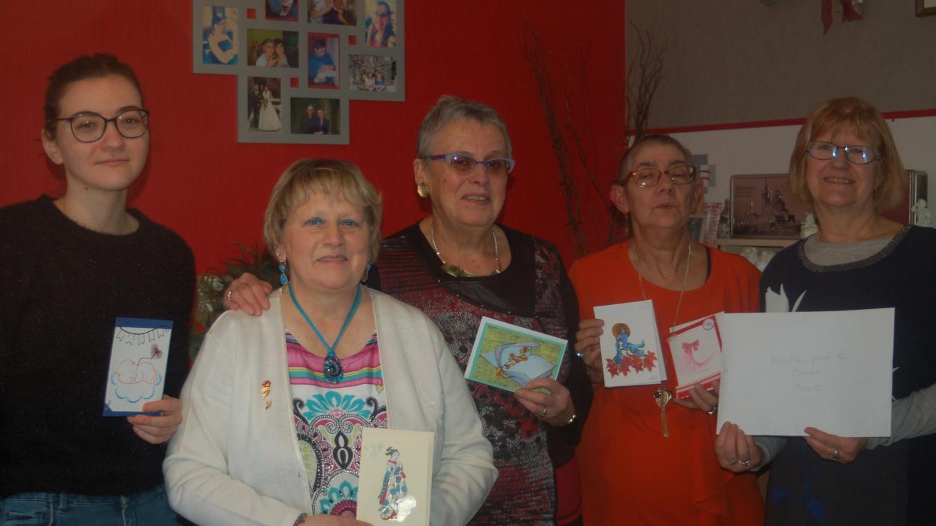 Suzanne a remis 900 euros à l'association Géry, qui œuvre pour le bien-être des malades et de leur entourage.
