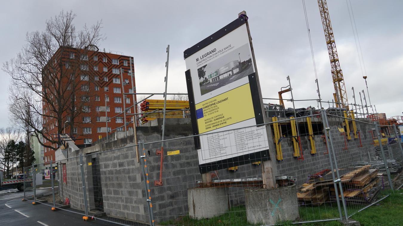 Le futur bâtiment est en construction au croisement de la rue Salvador-Allende et de la rue de Provence.