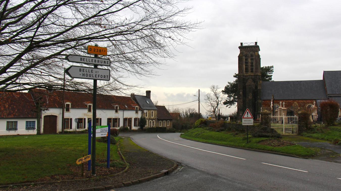 Le conseil municipal envisage de procéder au réaménagement complet de la Place et de ses artères.