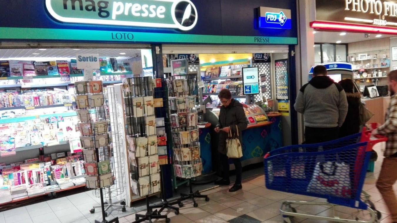 C'est dans la librairie de la galerie commerciale Carrefour que le chanceux a joué.