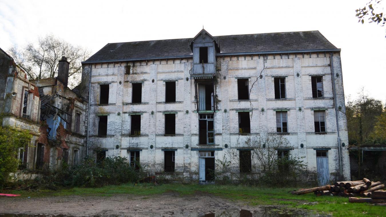 Le bâtiment, construit au XVIIIe siècle, est abandonné depuis la fin de la Seconde Guerre mondiale.