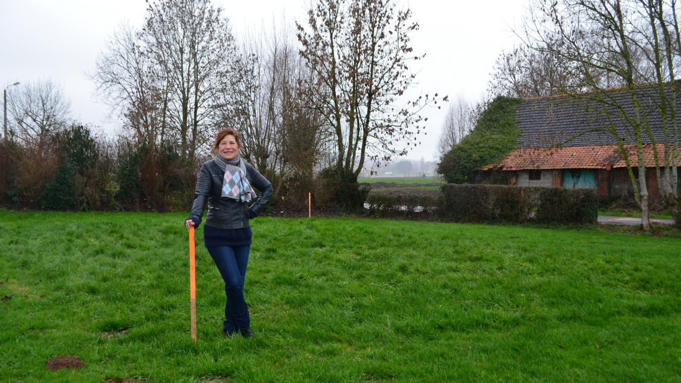 Sophie Beckary a décidé de revenir à Berthen, village qu'elle connaît depuis sa tendre enfance, pour développer son projet de vie : une épicerie-bar.