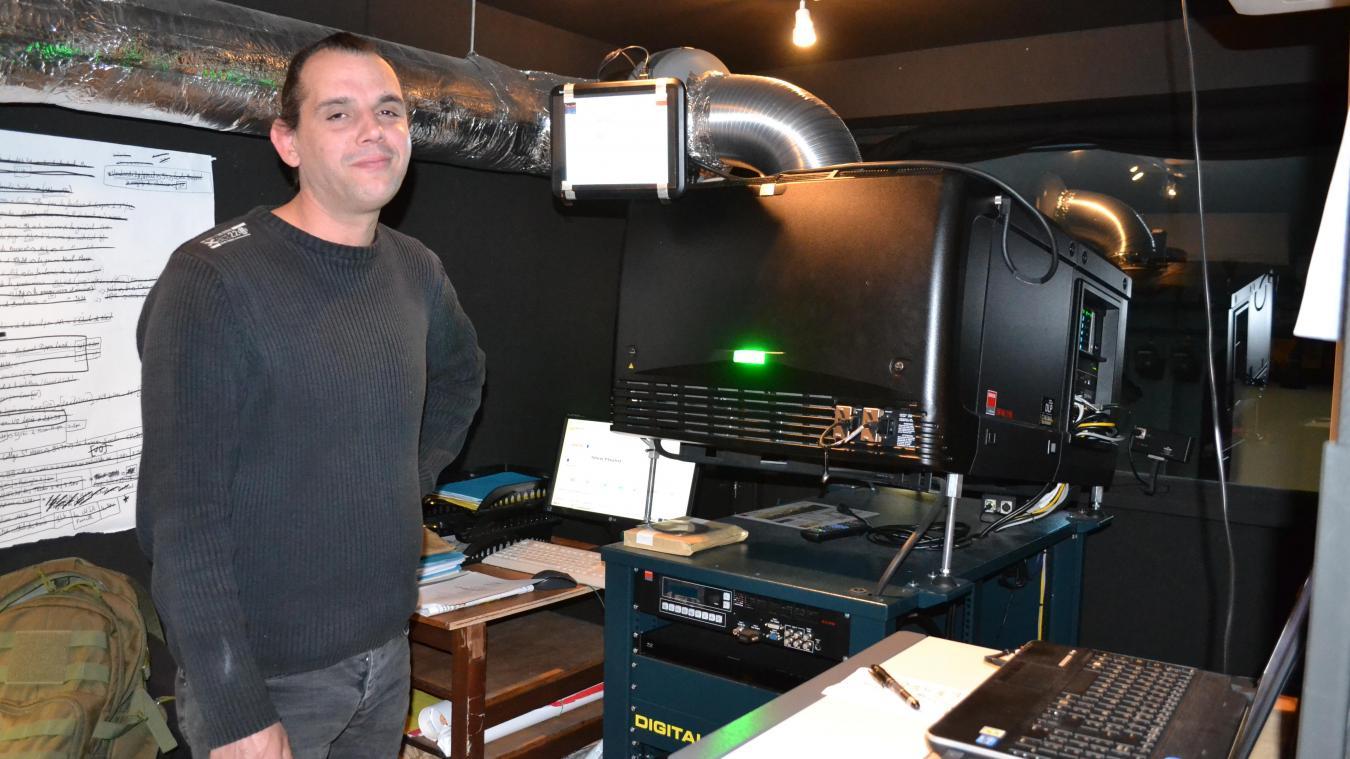 Christophe Latieule est projectionniste au cinéma de Montreuil depuis 2016.