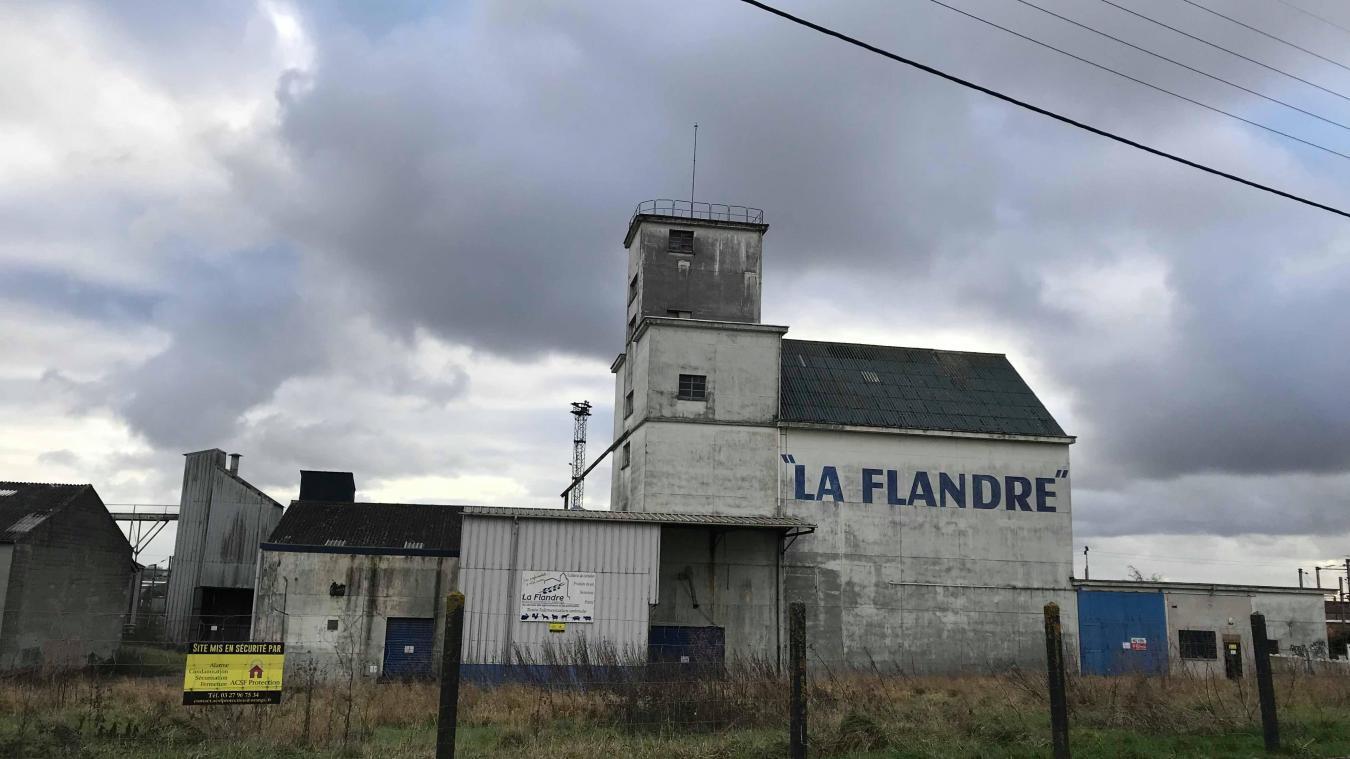 Détruire le silo, rue du contour de la gare, pour y faire un parking provisoire, c'est l'idée de Jean-Pierre Bataille.