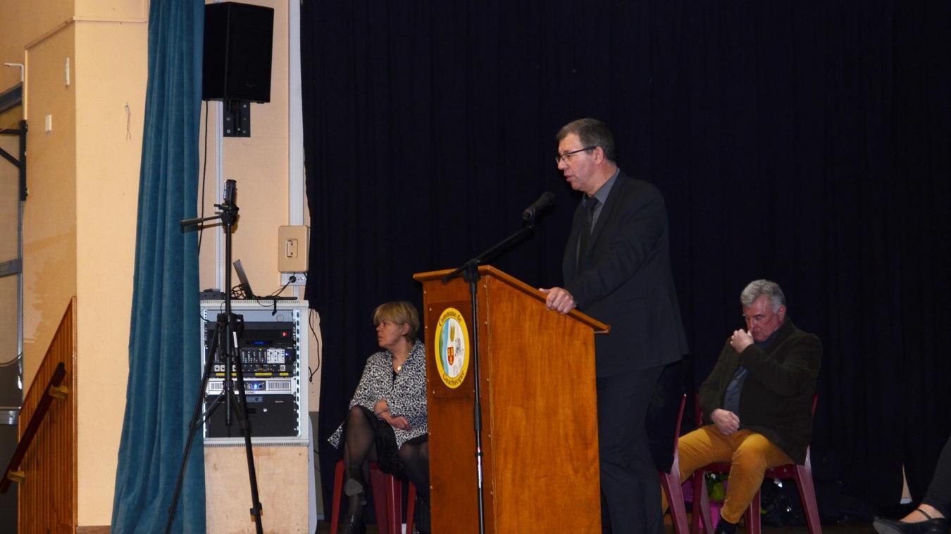 Didier Depaeuw, actuel 1 er  adjoint, est pressenti pour succéder à Christophe Fiancette, maire démissionnaire.