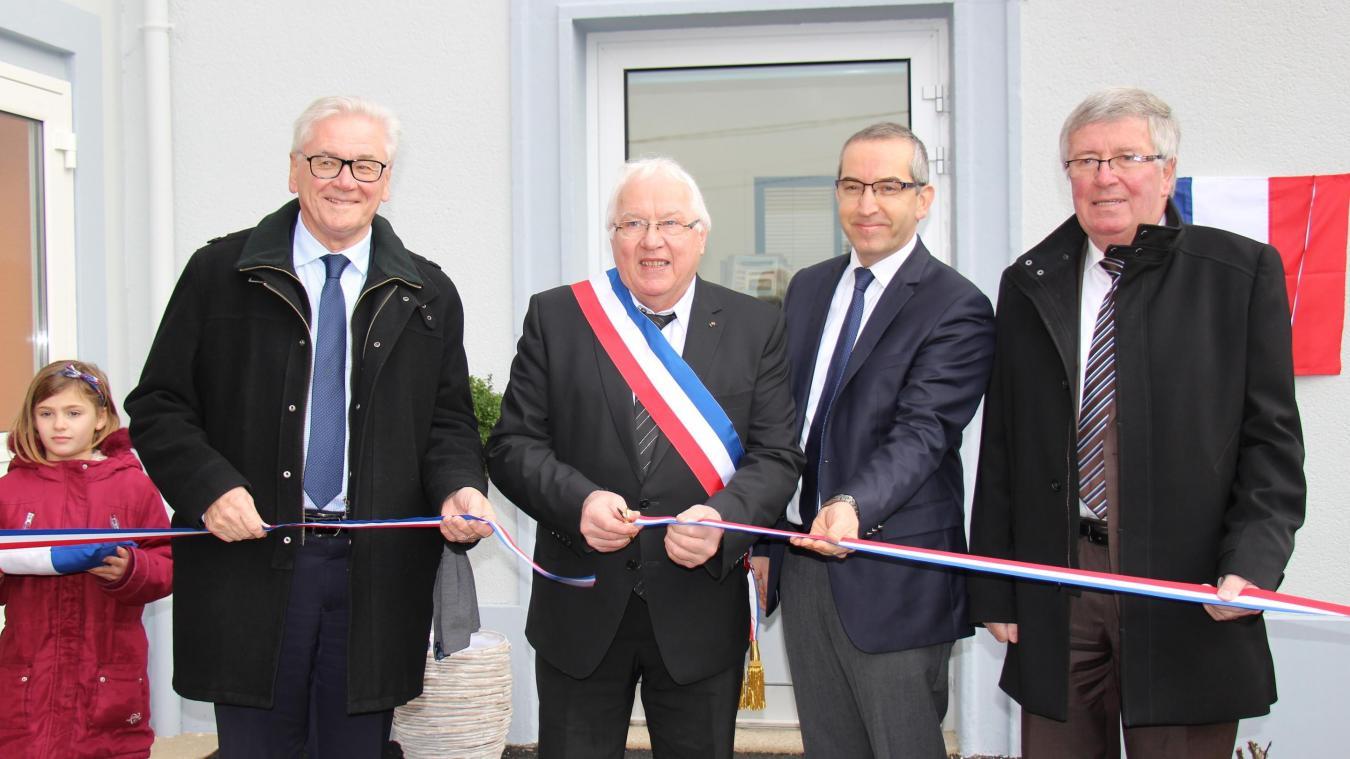 La nouvelle mairie a été inaugurée en présence de nombreux élus et habitants.