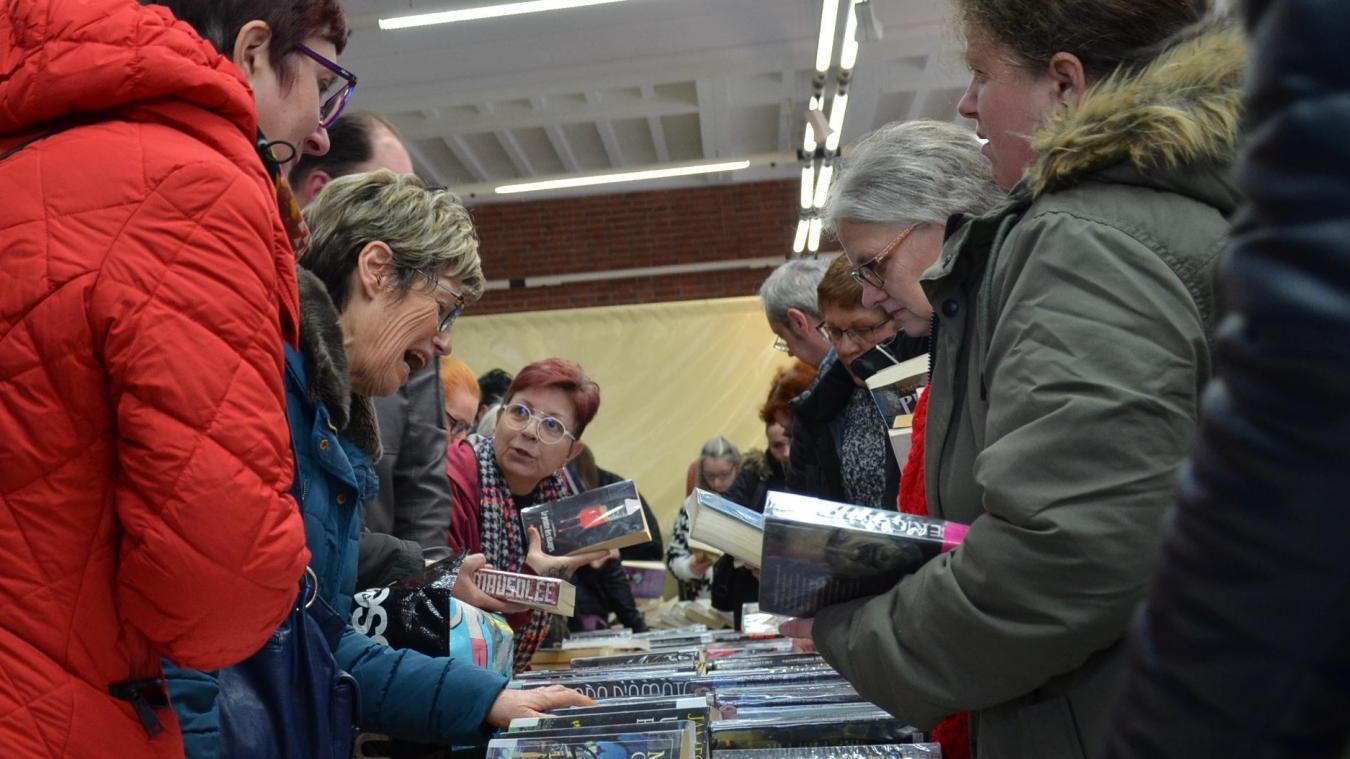 7 000 livres donnés gratuitement en quelques heures à Aire-sur-la-Lys