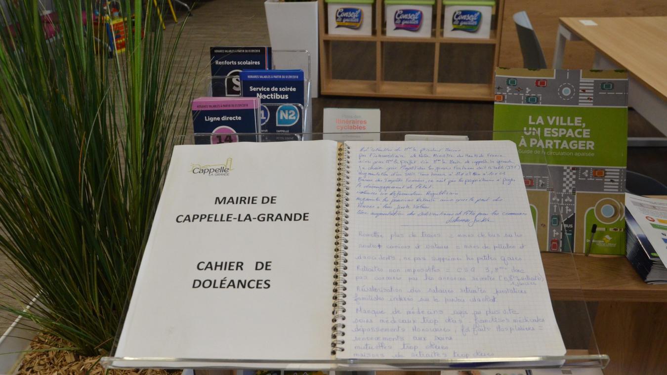 En mairie de Cappelle-la-Grande, le cahier de doléances a été ouvert avant Noël. Depuis, il a recueilli trois contributions.