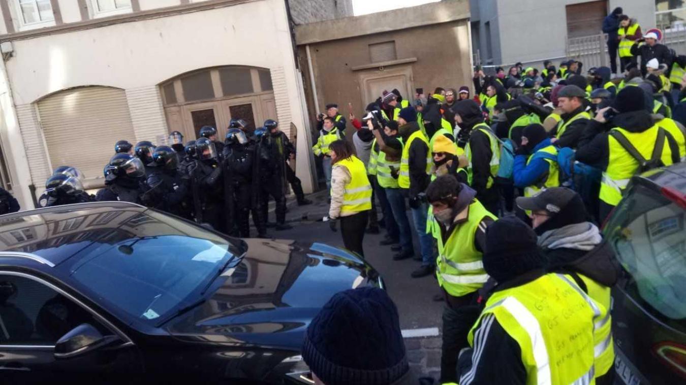 Boulogne : déblocage en cours du pont de l'Entente cordiale, les Gilets jaunes se dispersent (actualisé)