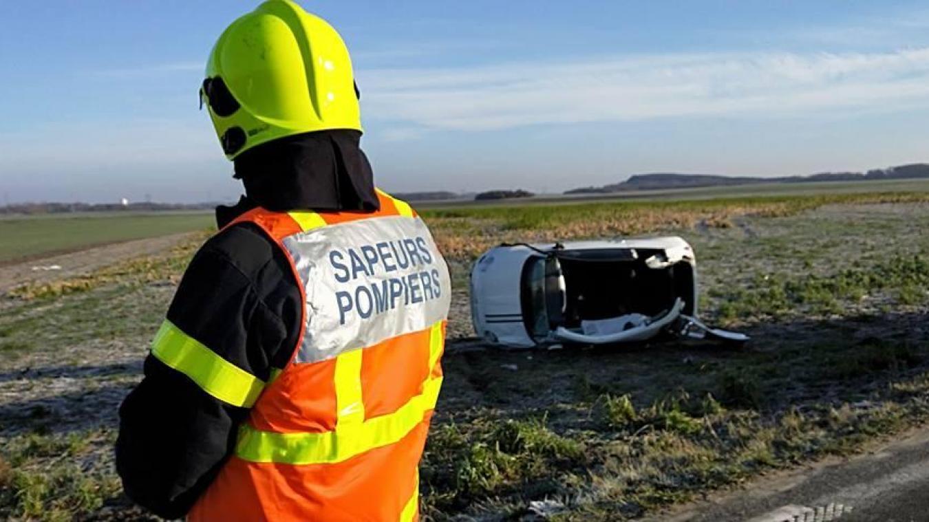 Un homme et une femme piégés dans leur voiture sur la D39 entre Hulluch et Vermelles (photos)