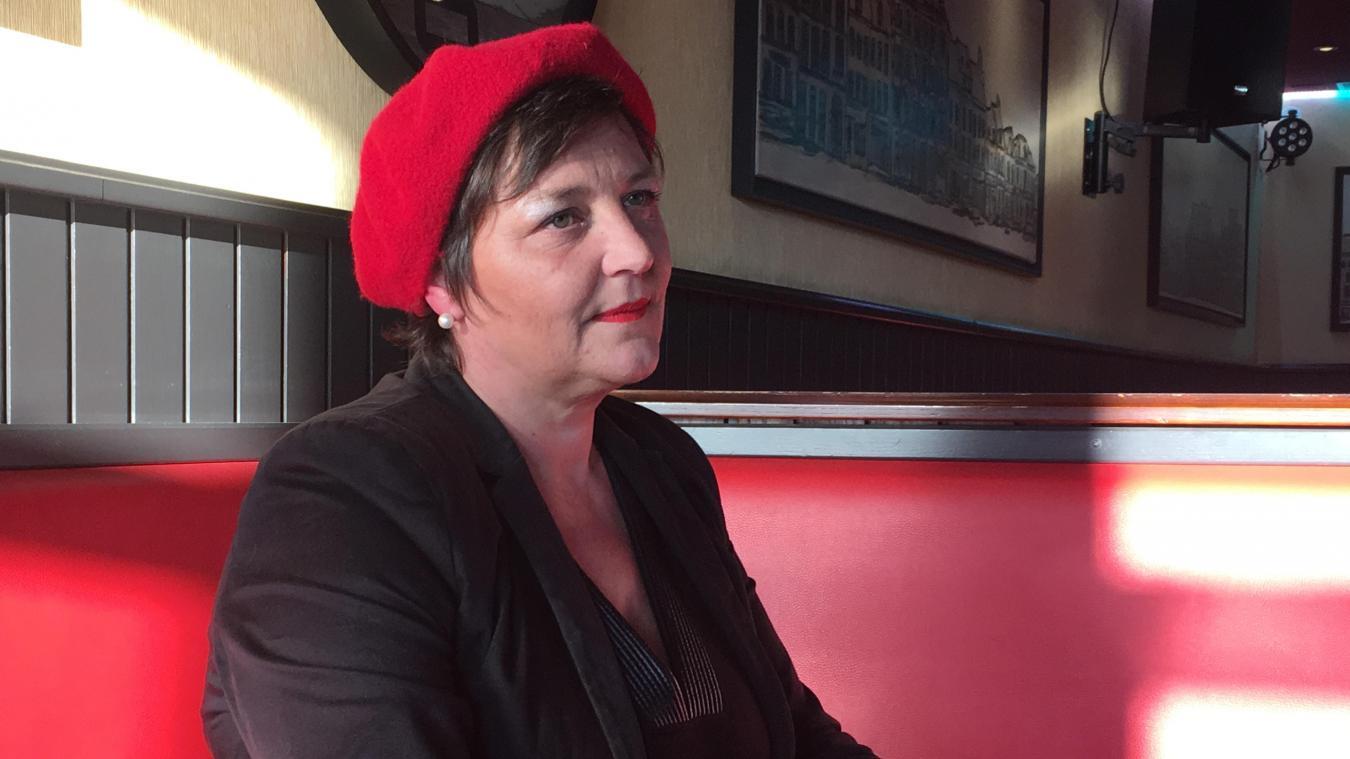 Marina Lecomte, de Saint-Omer, est la référente Hauts-de-France du mouvement des Foulards Rouges, qui, en écho du mouvement des Gilets jaunes, s'érige contre « les blocages et dit stop aux violences ».