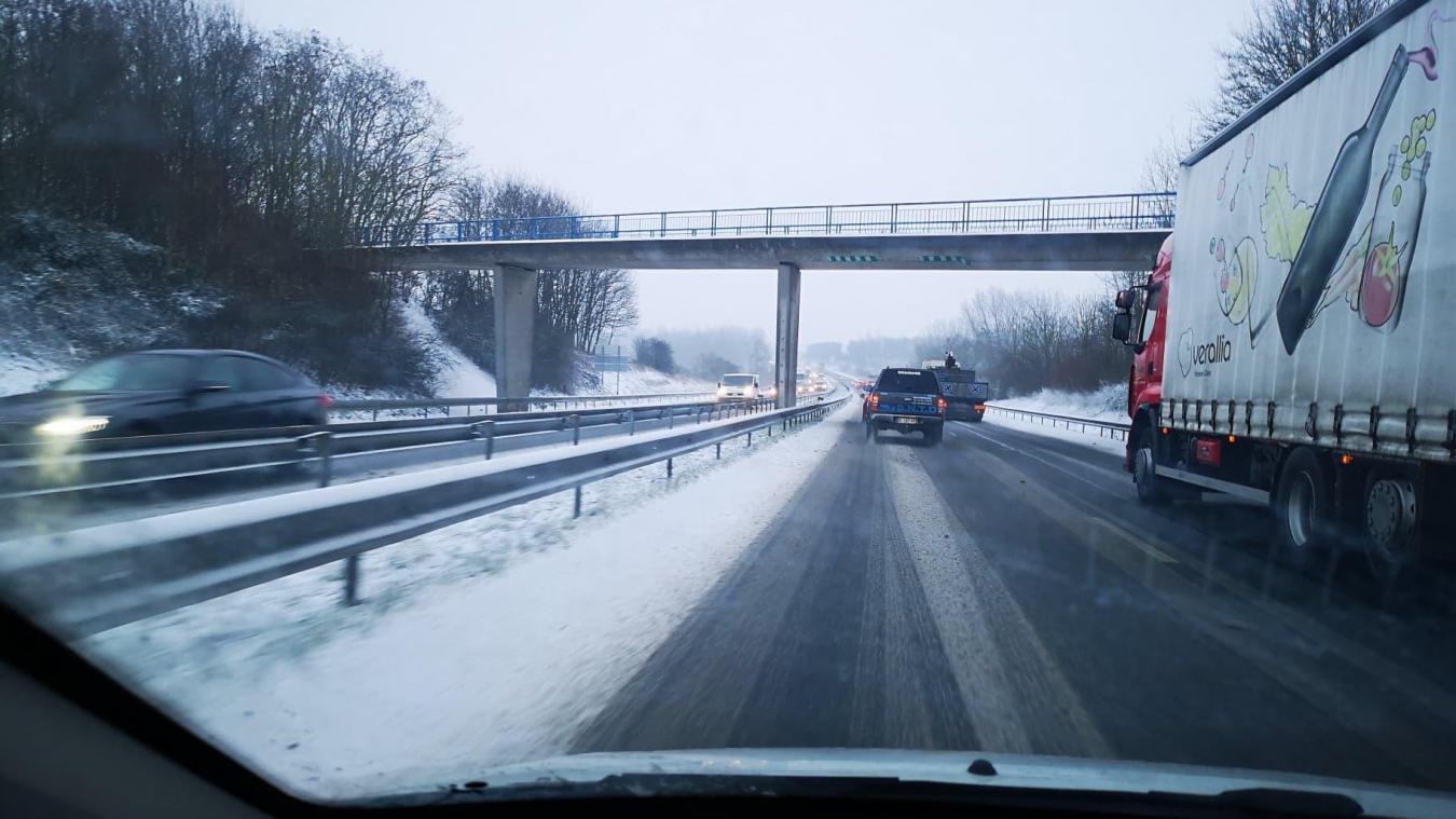 (Actualisé) Béthune, Bruay, Arras, Lens et partout dans l'Artois: la neige perturbe la circulation [photos et vidéos]