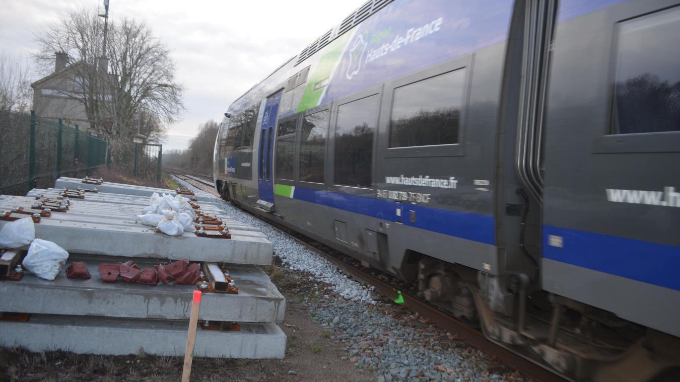 La SNCF procède au remplacement de traverses et au remplacement de ballast sur la ligne Boulogne-Abbeville.