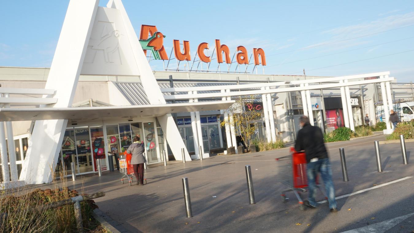 La dernière fois que Zaïnab El Hai a été aperçue, elle quittait le centre commercial Auchan.