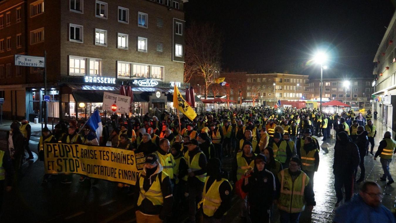 Les manifestants sont partis de la gare pour rejoindre la place Jean-Bart.