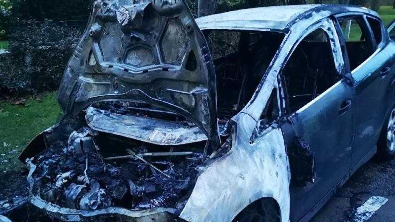 Le Touquet : un véhicule prend feu ce samedi 26 janvier vers 7 heures rue John Whitley