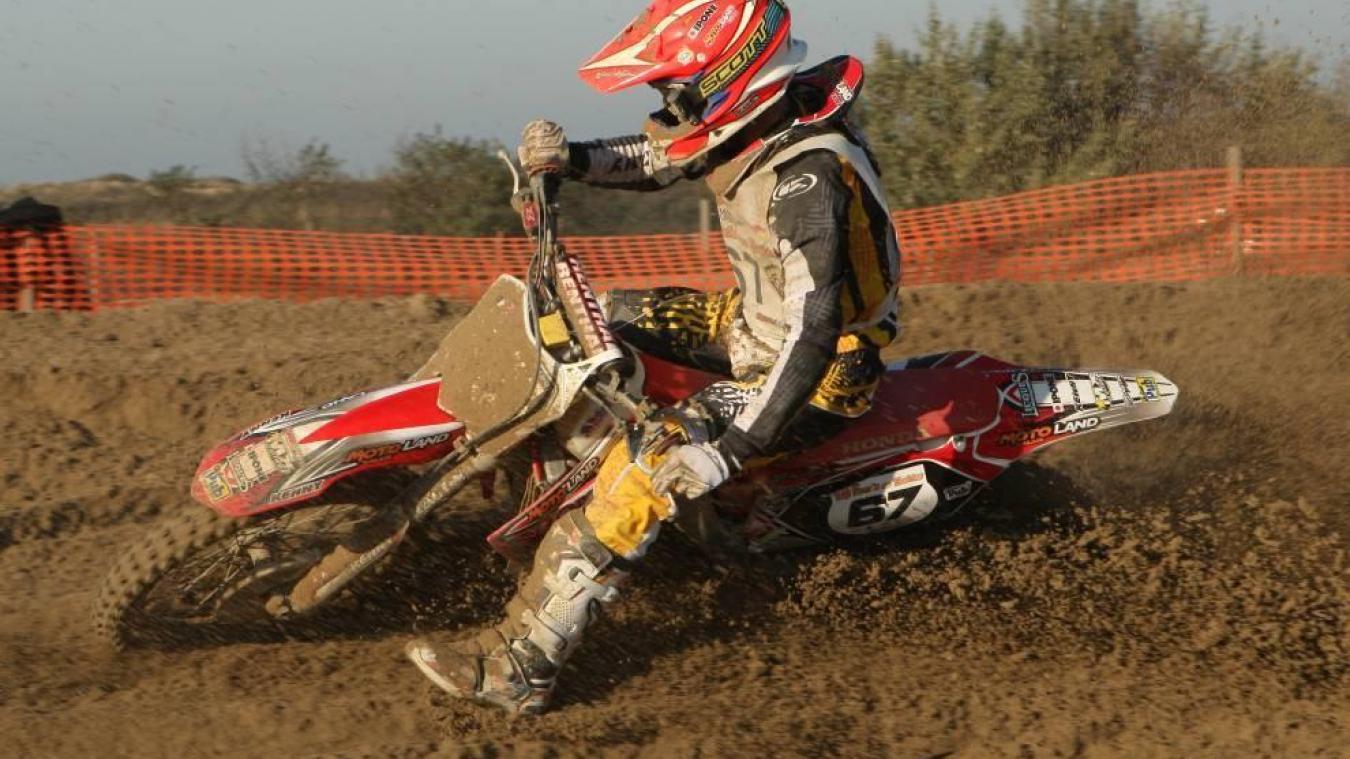 L'accident est survenu sur le circuit de motocross Bernard-Gouvart, ce samedi 26 janvier. Les deux pilotes ont été transportés à l'hôpital.