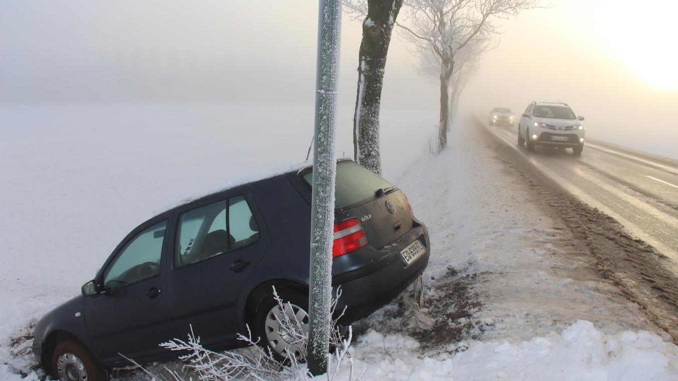La neige et le verglas ont été la cause de plusieurs accidents ce mercredi matin dans le Desvrois.