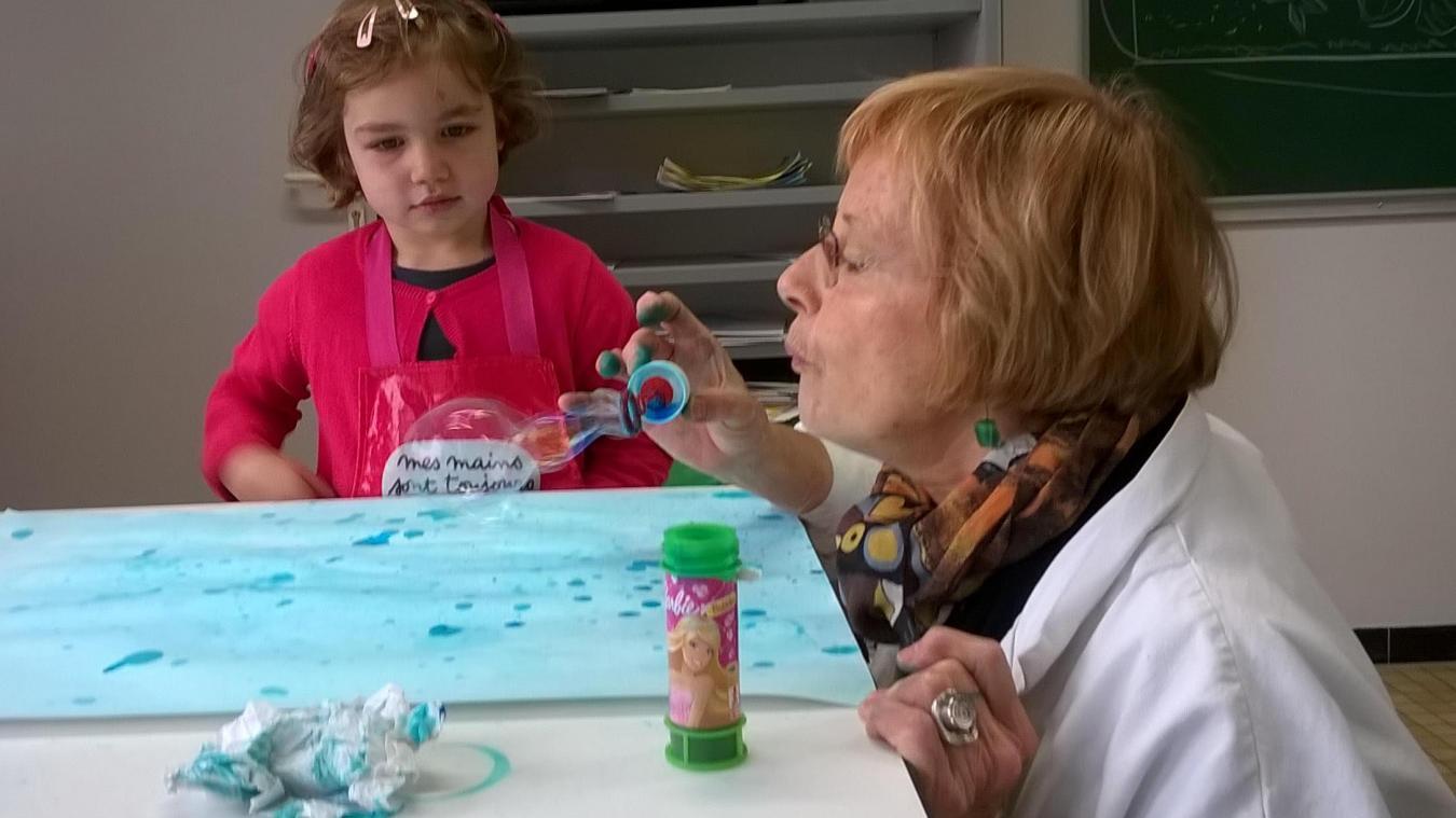 L'atelier duo permet un moment d'échange entre l'adulte et l'enfant.