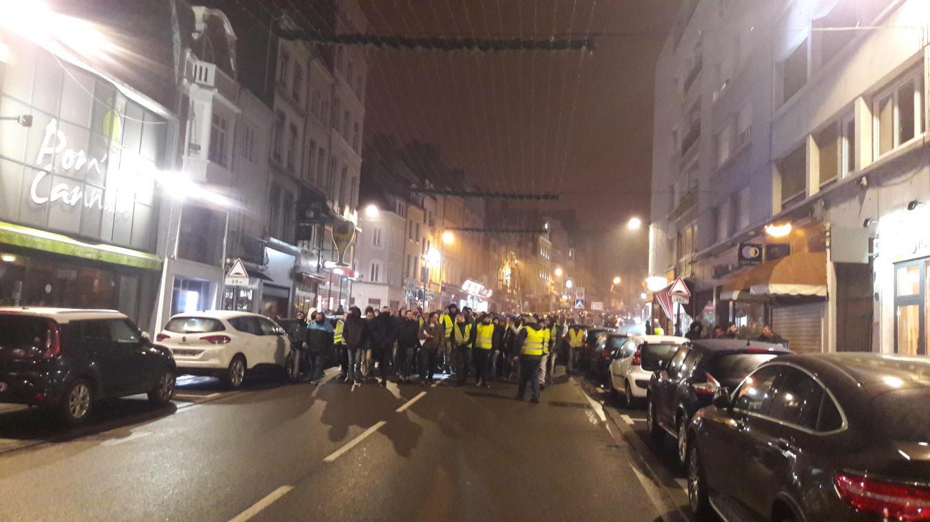 La marche d'abord pacifique s'est tendue en fin de soirée.