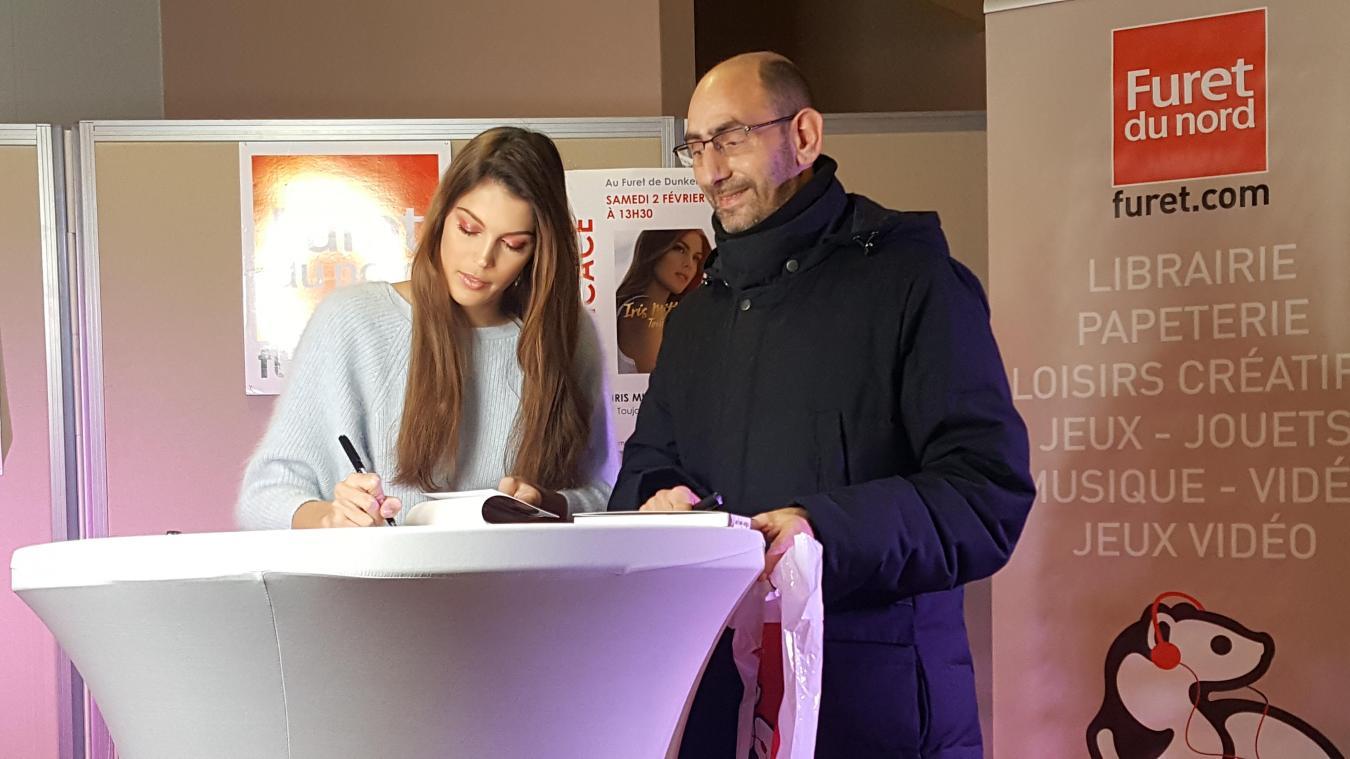Ludovic est le premier sur plus de 300 fans à avoir décroché la dédicace et le selfie avec Miss Univers.