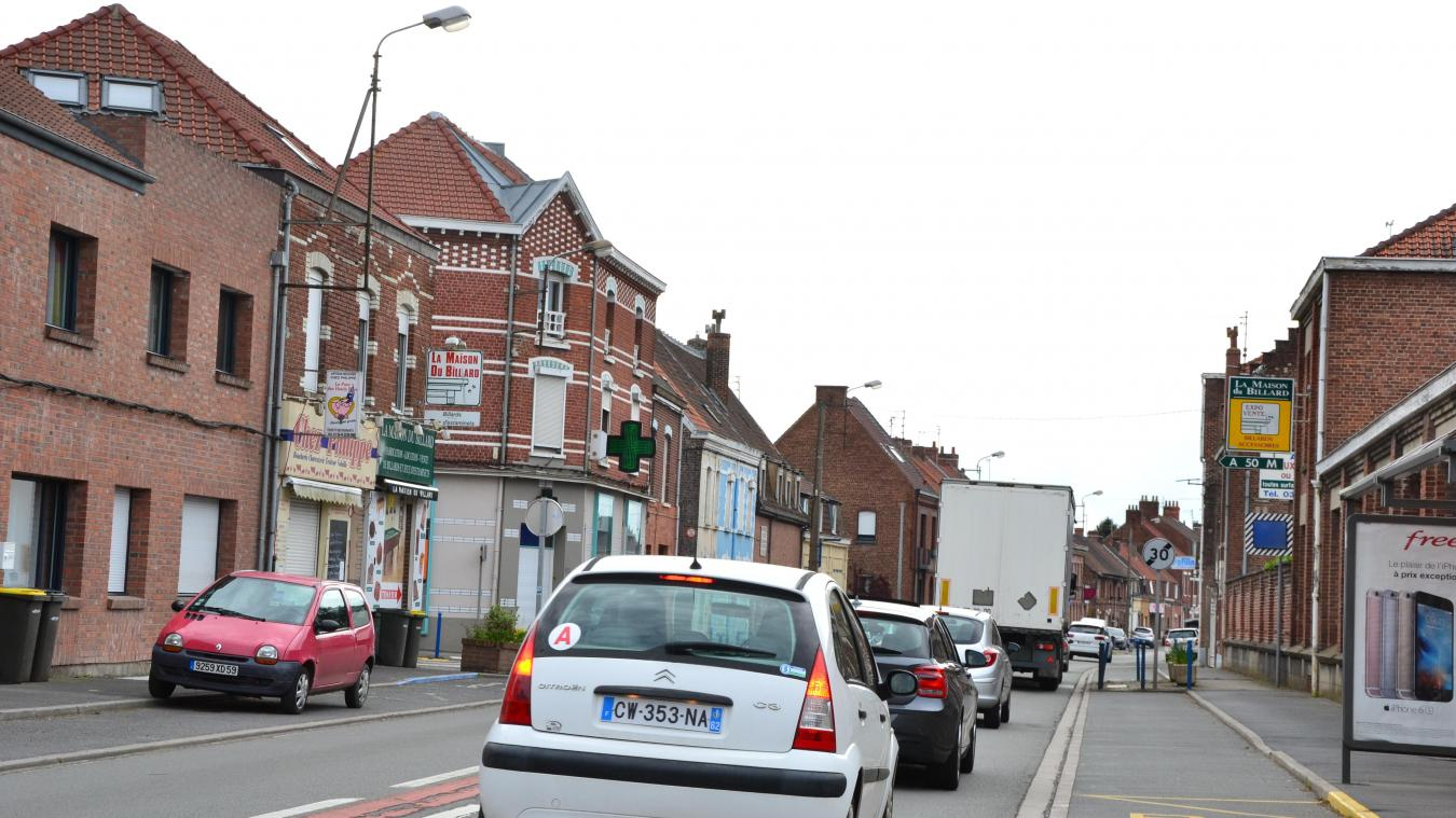 Le centre-ville de Sailly-sur-la-Lys est traversé par de trop nombreux camions.