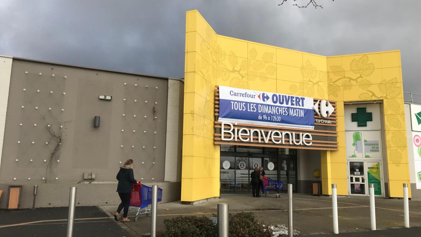 Depuis le 6 janvier, Carrefour est ouvert tous les dimanches matins de 9 h à 12 h 30. Il fait comme ses concurrents Lidl et Super U.