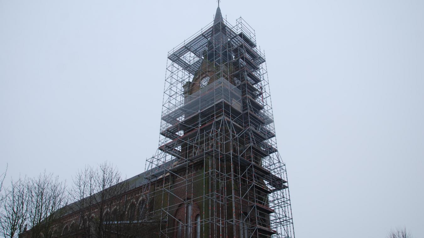 Les travaux concernent principalement le clocher, les abats-sons, les vitraux et les chéneaux.