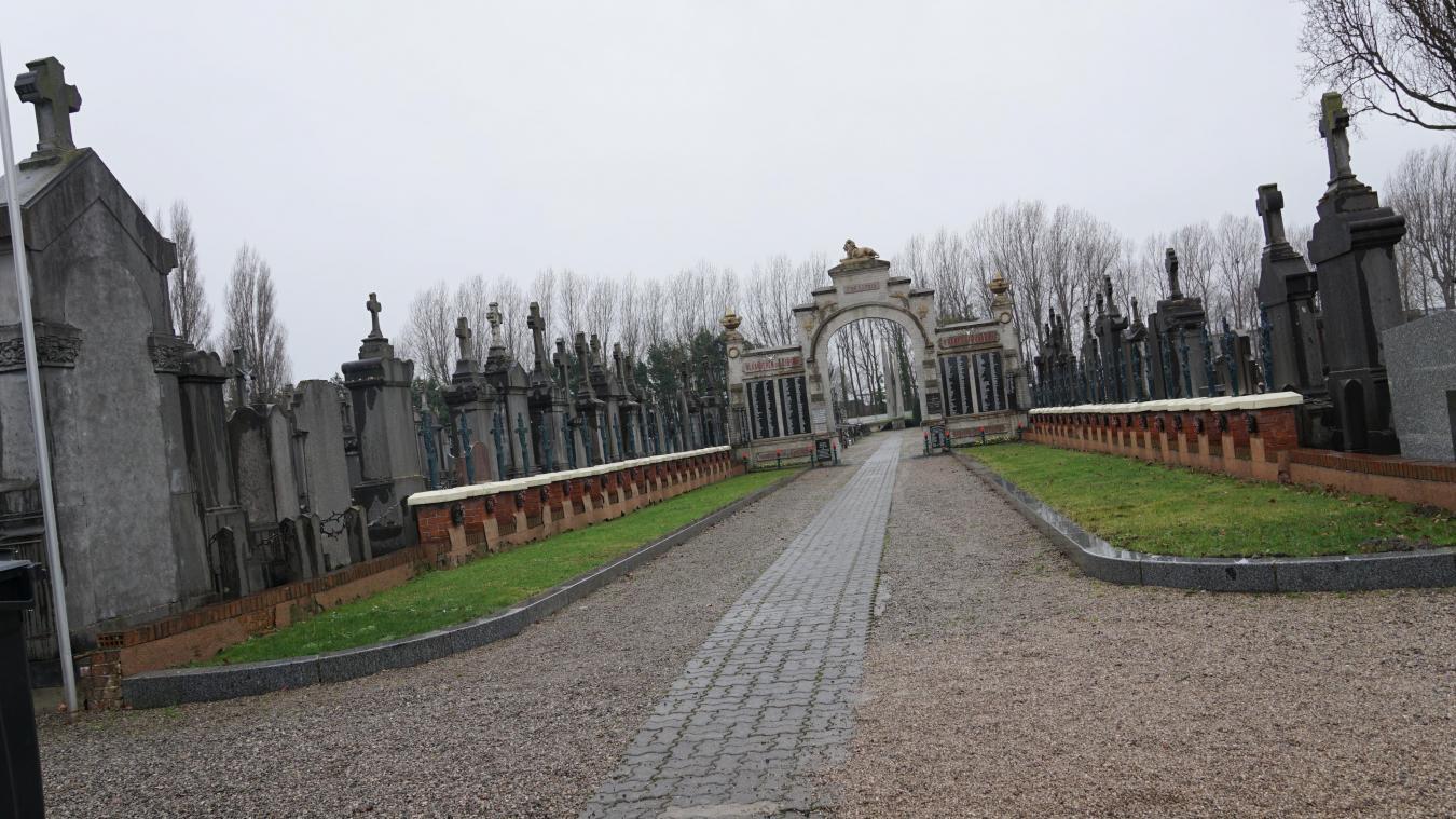Les faits se sont déroulés dimanche midi au cimetière de Petite-Synthe.