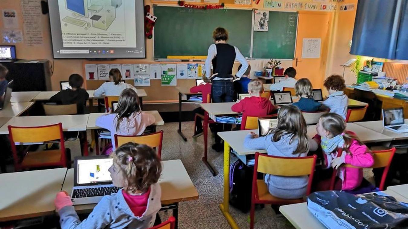 Auchel : Il apporte le numérique dans les écoles, et bientôt au Cameroun
