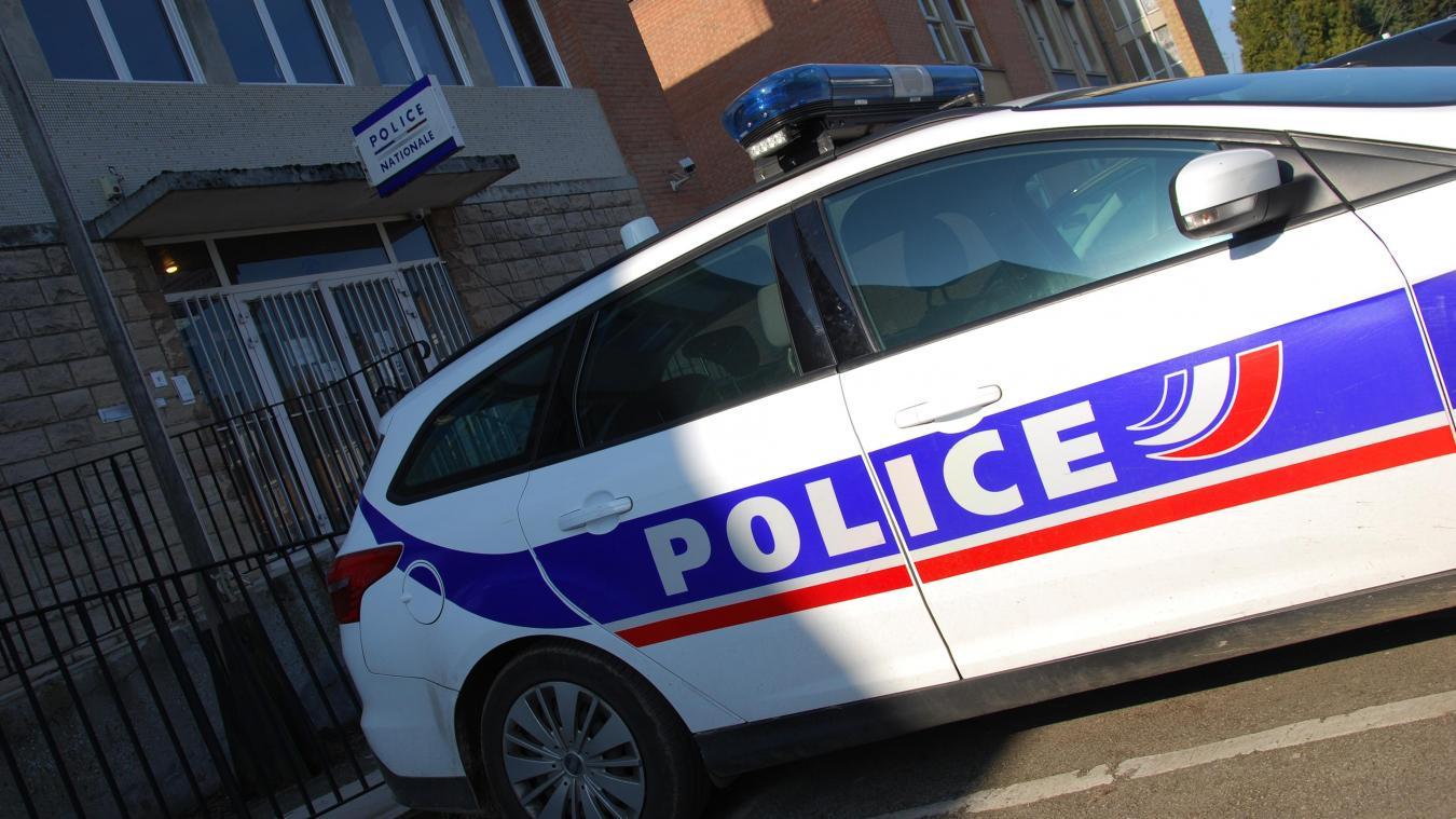 Les policiers d'Hazebrouck ont arrêté un homme qui aurait porté des coups de couteau à son compagnon de boisson.