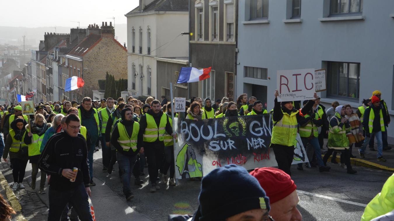 Près de 450 Gilets Jaunes ont parcouru la ville de manière pacifiste