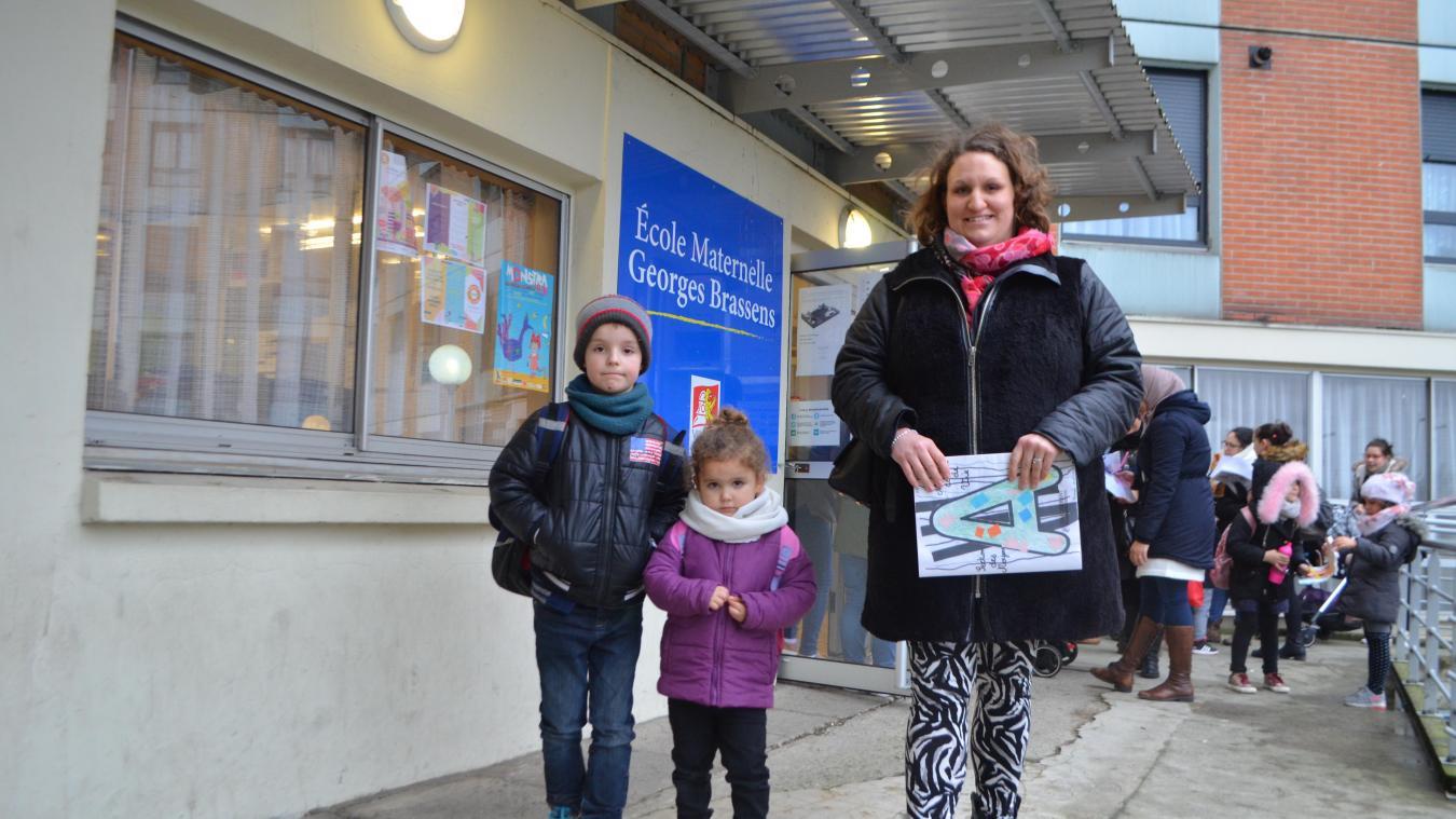 Marvyn, Abigaelle et leur maman Sandy iront découvrir la nouvelle école le 23 février.