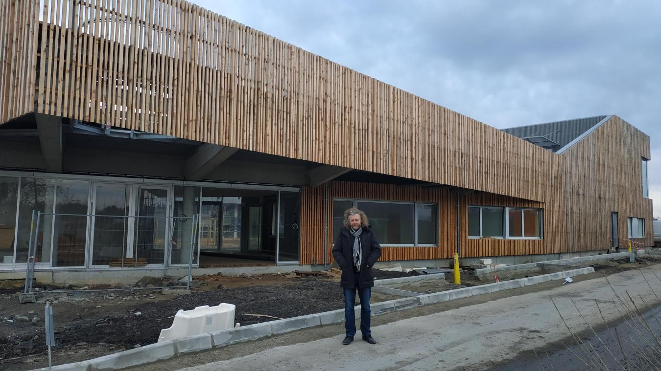 Bernard Baude visite régulièrement le chantier du futur restaurant municipal.