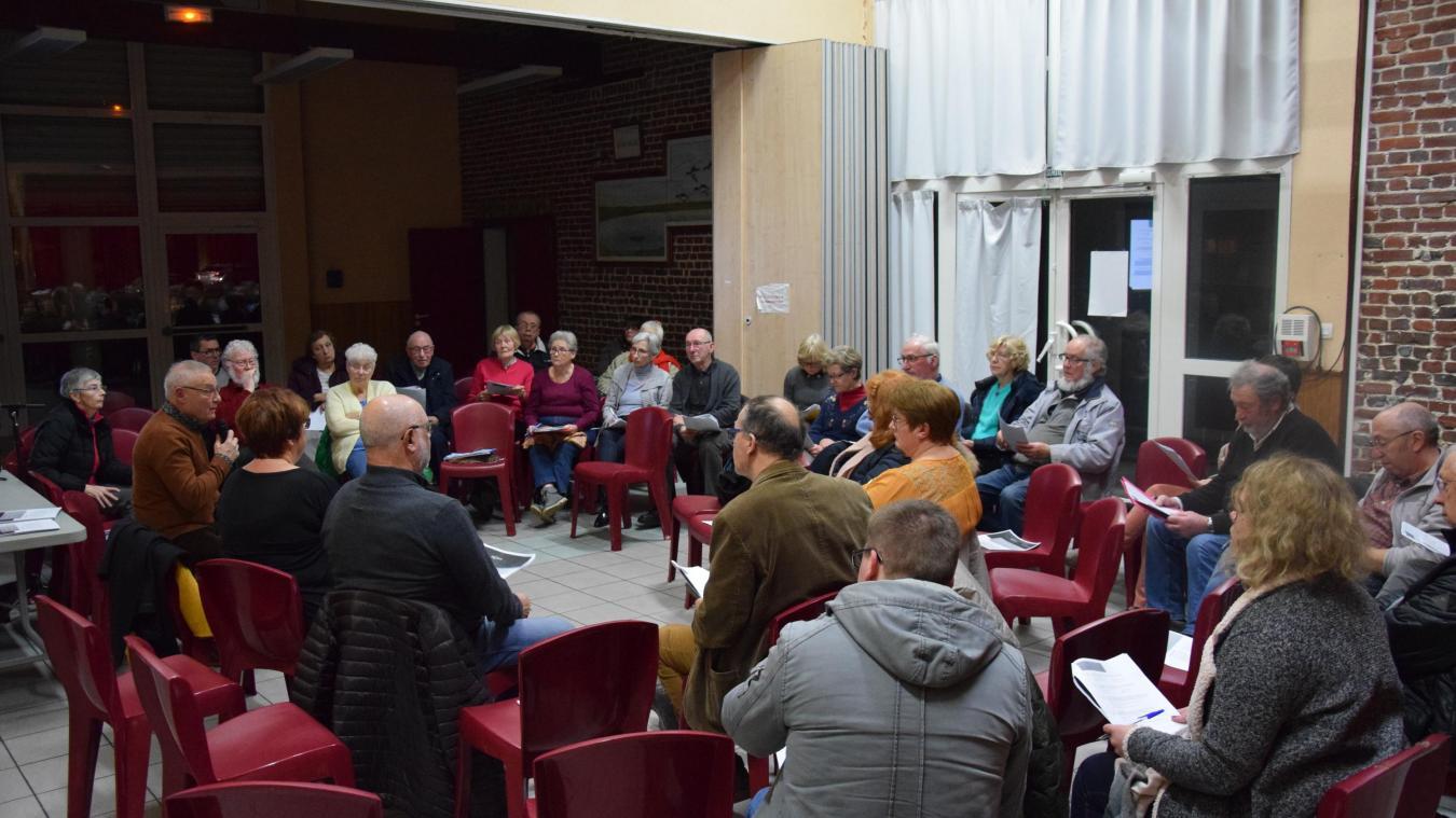 A Groffliers, c'est le maire Claude Vilcot qui a mené les réunions organisées à l'occasion du grand débat national.