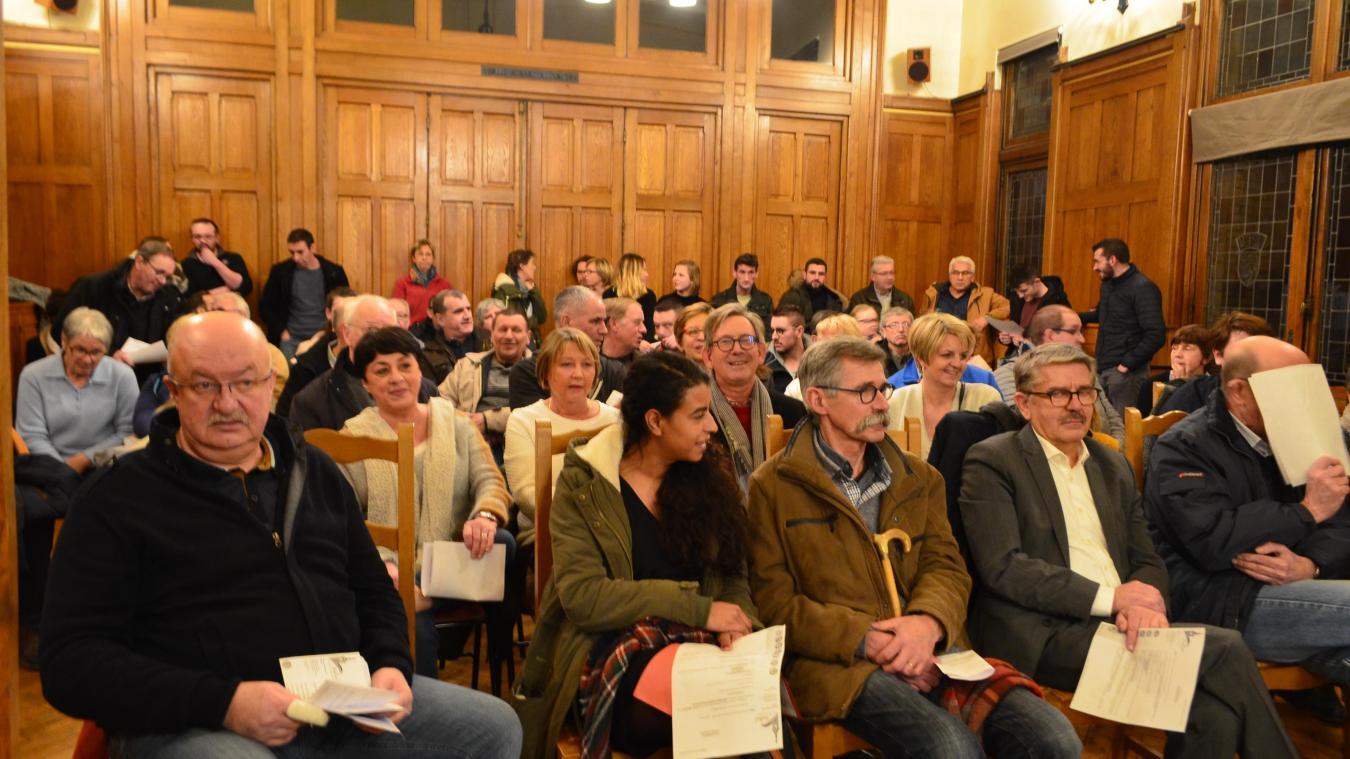 Jeudi dernier, le public, presque essentiellement composé des membres de l'association Comité de protection de la campagne bailleuloise, était venu nombreux pour assister au conseil municipal.