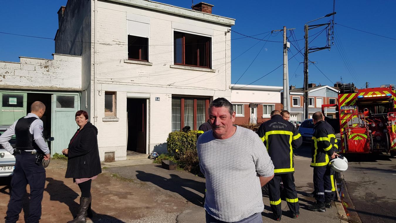 Adjoint au maire, et voisin de la victime, Roger Cappel a de nouveau sauvé Jean, 88 ans, des flammes.