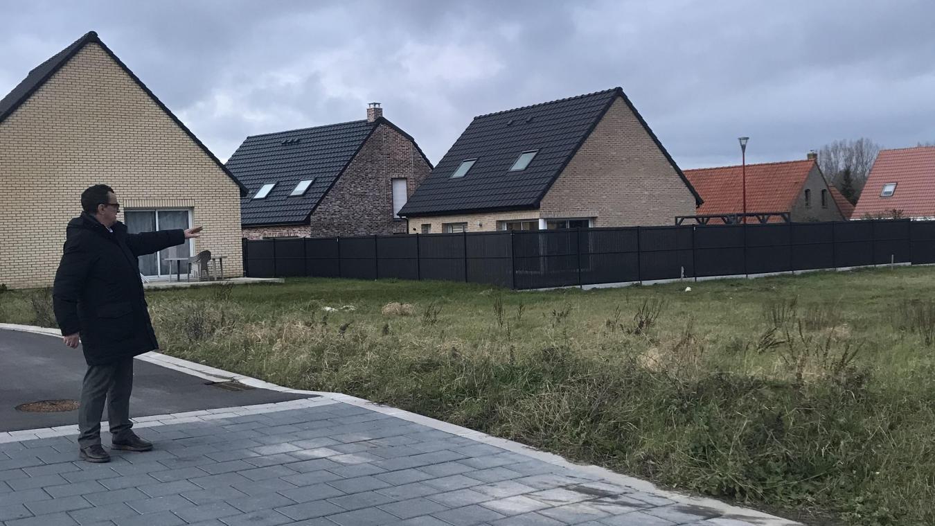 Les parcelles dédiées aux cinq logements locatifs sont déjà visibles dans le lotissement, rue des Jonquilles. Les travaux devraient débuter ce mois-ci.