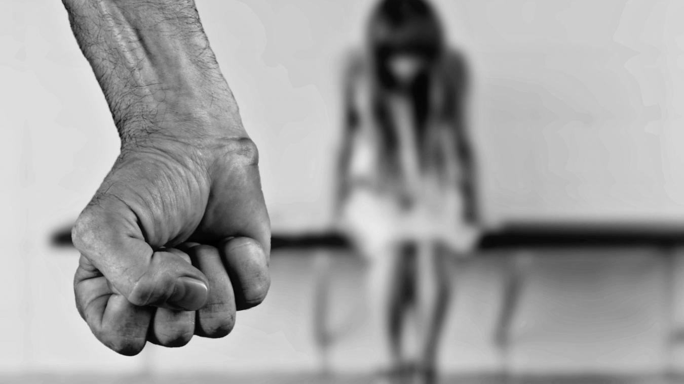 Plus de 100 femmes meurent chaque année sous les coups de leur conjoint.
