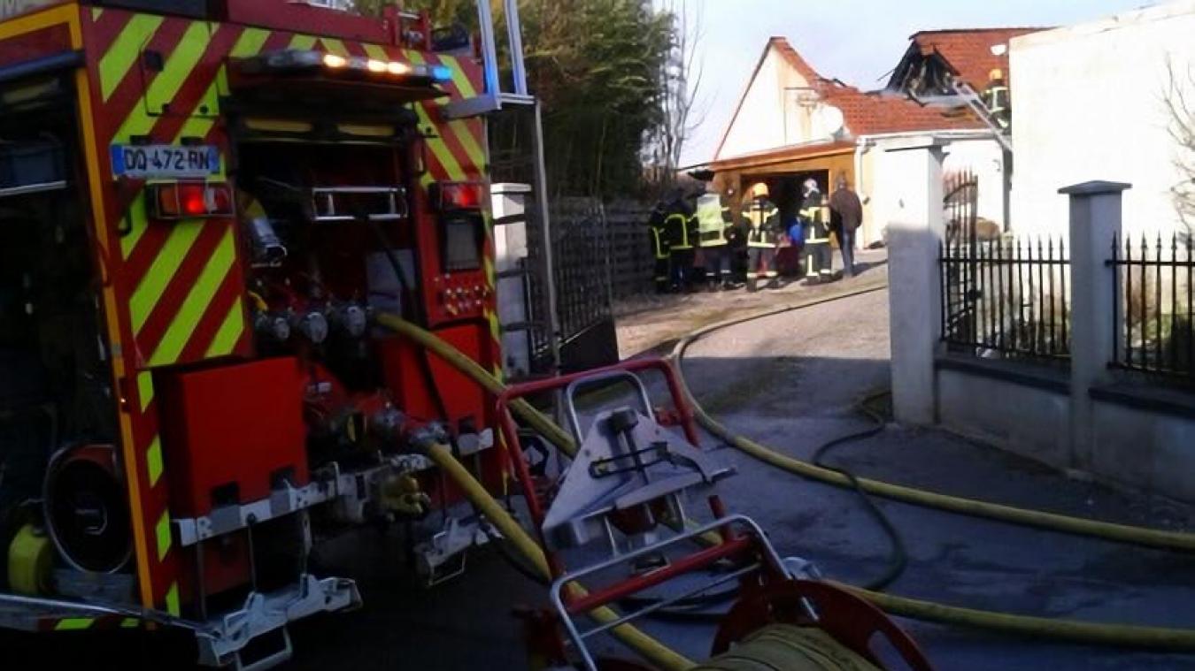 D'importants effectifs de sapeurs-pompiers des casernes de Desvres et Boulogne se sont déployés.