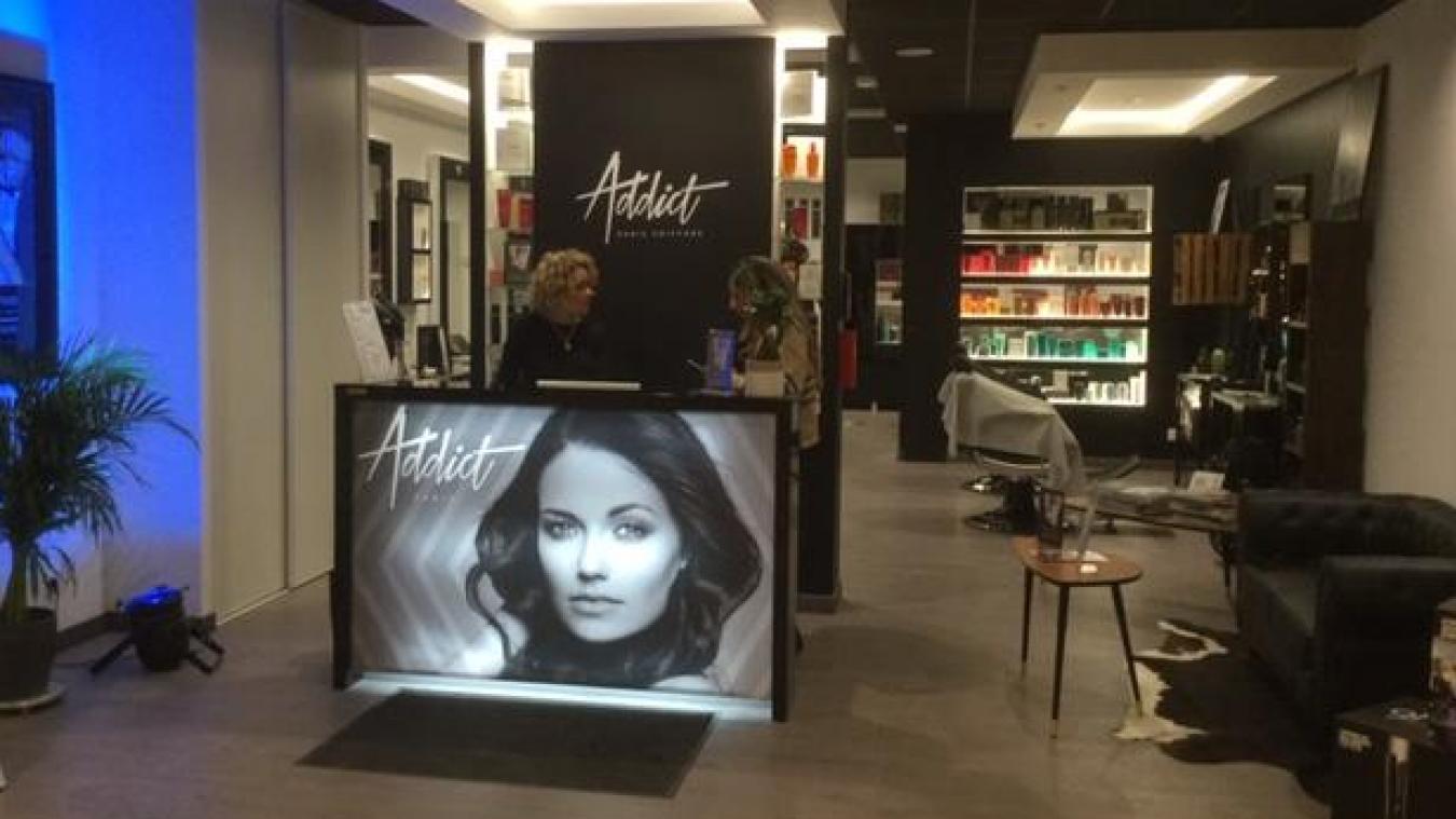Le coiffeur dunkerquois lance un concept unique dans la région à Lille. Cette passion pour la coiffure, il la tient de sa mère, qui tenait elle-même un salon dans la cité de Jean Bart.