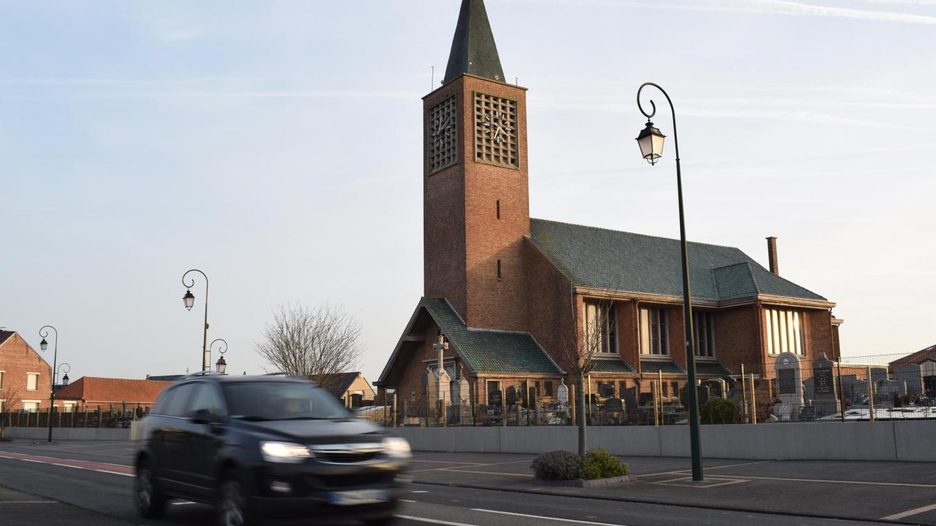L'église Saint-Michel est maintenant fermée depuis 26 ans. Isabelle Kerkhof, la première magistrate, compte bien tout mettre en œuvre pour la rouvrir.