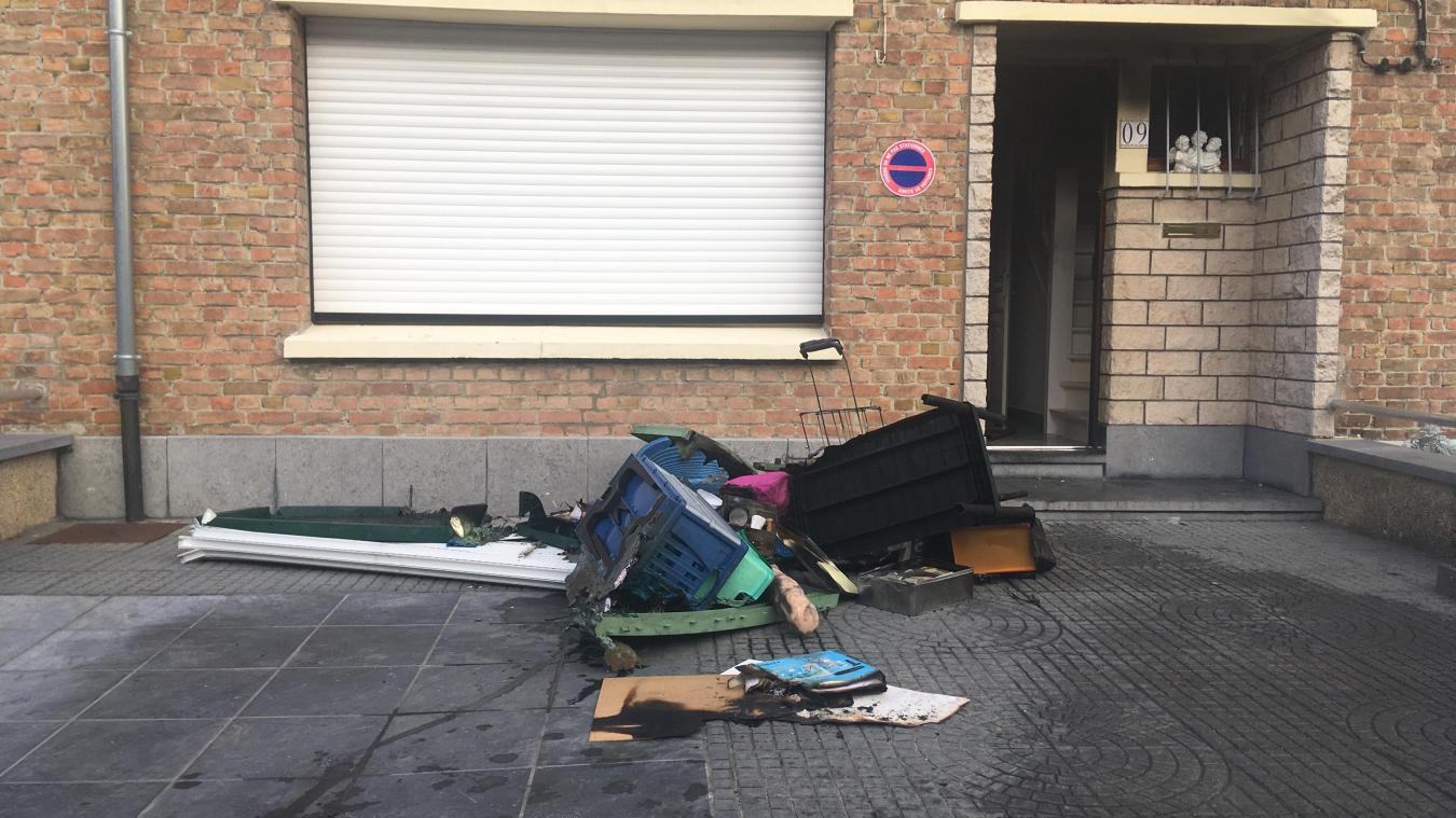Le feu s'est déclaré à la cave d'une maison cité Saint-Exupéry à Nieppe. Il n'y a pas eu de blessé.