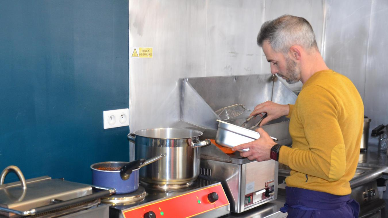Après plusieurs expériences, Julien a décidé de se lancer à son compte avec Food Avenue Dunkerque.