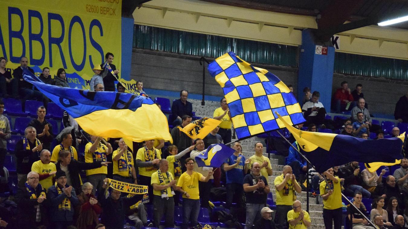 Quelle belle victoire saluée par les supporters à Loon-plage.