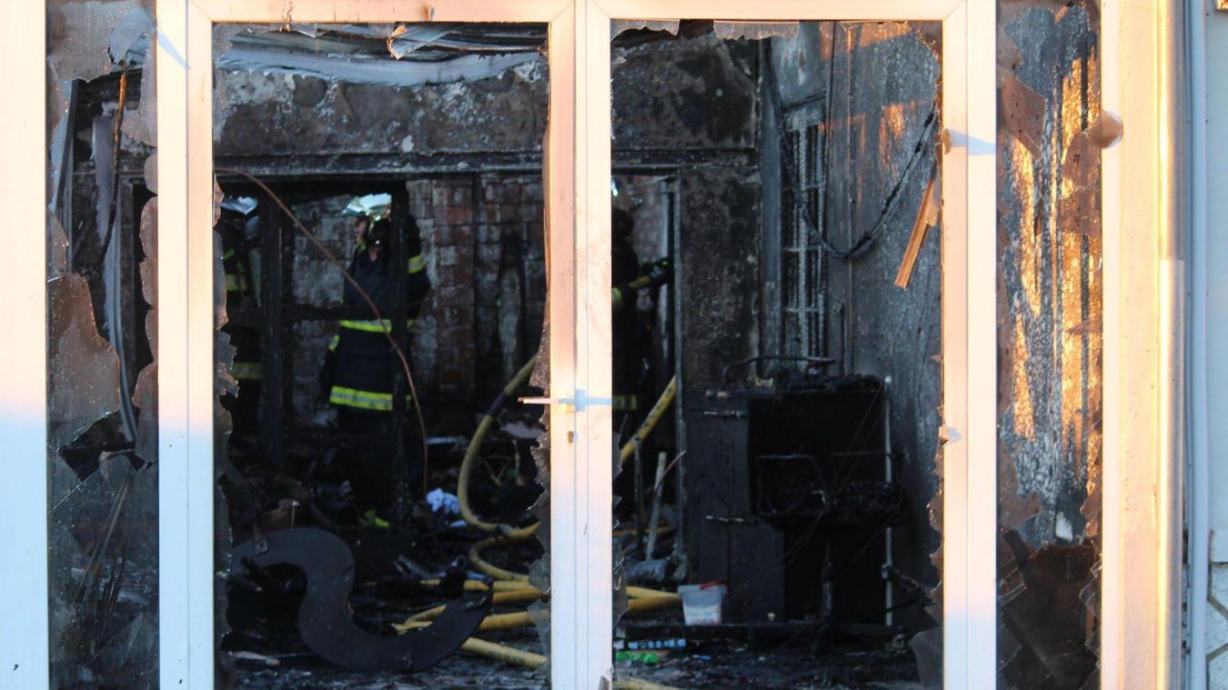 Art Et Maison Longuenesse watten - une maison touchée par un incendie, allée des