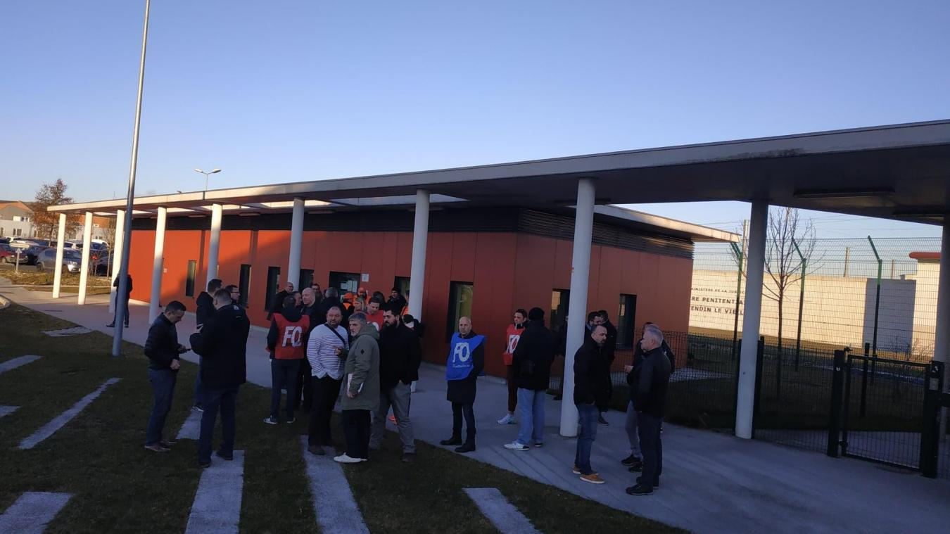 Une soixantaine de grévistes sont présent selon Wilfried Szala, secrétaire nlocal FO et une quarantaine selon la police.